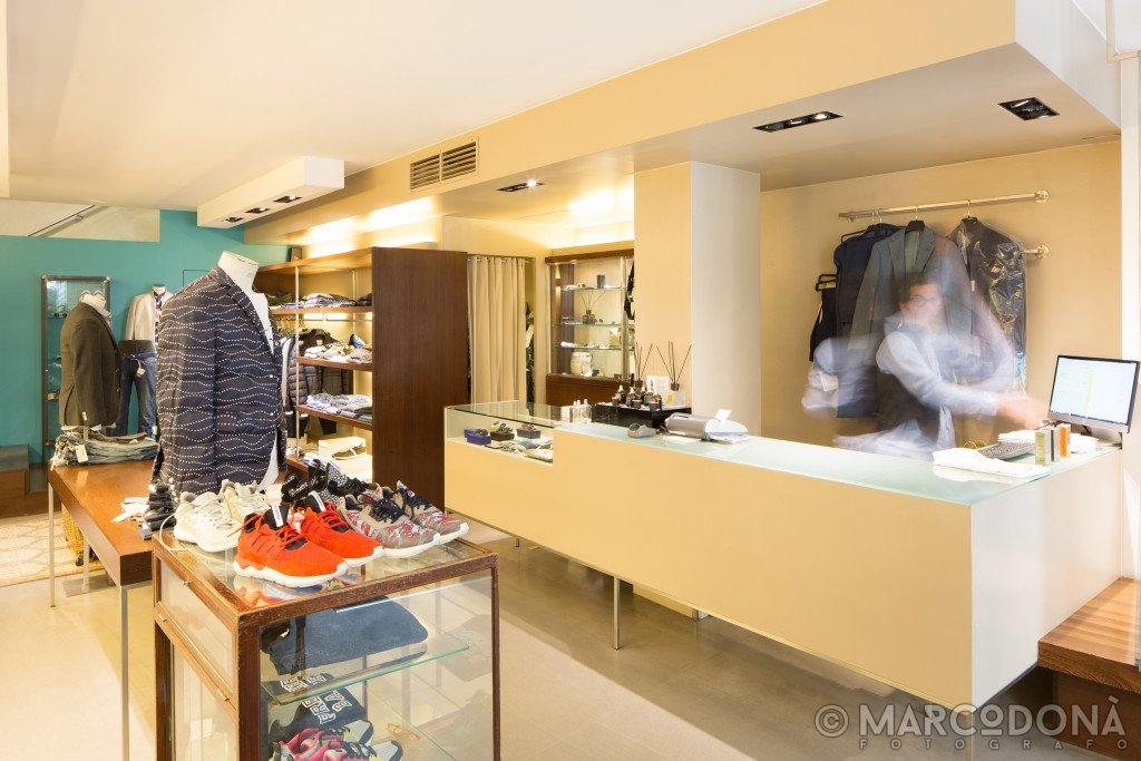 Fotografo professionista per servizi fotografici di negozi a Udine, Trieste, Venezia, Alta Badia, Corvara, Lavilla, San Cassiano, Madonna di Campiglio, Canazei, Ortisei, Trento, Bolzano.